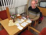 Unser QSL-Manager, DL1FDH Thomas, bei der Arbeit