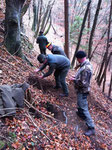 Bergearbeiten, um an Fuchs und Hund zu kommen