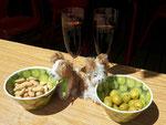 Fetz und Fetz geniessen ihre ersten spanischen Tappas