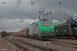 SNCF FRET BB37010 mit GA 46380  Passau Grenze - Forbach/F , PKW Dacia von Cuimesti/RO nach Valenton/F auf STVA P-wagen , Forbach am 01.03.14