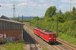 151 032 + 151 101 als T 67099 Dillingen(Saar) - Saarbrücken Hbf (Sdl.Schadlok Überführung) , 17.05.14 in Bous