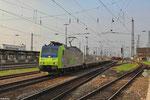 """BLS Cargo 485 007 verlässt mit  RAlpin - Leerwagen der """"Rollende Landstraße"""" den Gbf Offenburg Richtung Basel - 22.04.2013 18:40 Uhr"""
