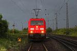 """Gewitterstimmung am 12.05.14 kurz vor halbneun , 185 353 wartet auf die Bereitstellung des """"Knüppelzuges"""" GM 62835 nach Ehrang Nord"""