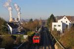 185 584 ( Macquarie European Rail, Luxembourg ) mit DGS 83724 Ehrang Nord - Karlsruhe Rheinbrücke Raffinerie am 26.11.13 in Saarbrücken Burbach (Sdl.EKW)