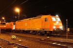 185 001 in Saarbrücken am 13.04.201 früh morgens gegen vier Uhr , wenig später wird sie GA 60146 nach Kassel Rbf bringen