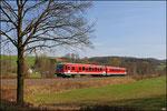 """Wegen der Osterferien nur in Einfachtraktion unterwegs, """"Schülerzug"""" RB 12922 Kaiserlautern - Kusel mir 628 477 bei Eisenbach"""