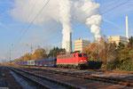 """140 850 vor der Kulisse des Kohlekraftwerkes """"Fenne"""" im Bahnhof Fürstenhausen am 27.11.13"""