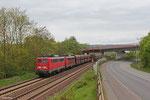 DT 140 833 + 140 861 mit GM 98757 (Amsterdam Westhaven) Neuwied - Dillingen Zentralkokerei (Kohle in Weisspunkt-Fal-Wagen , ehm. GM 48727) am 13.04.14 kurz vor Dillingen(Saar)