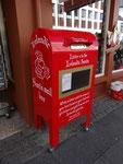 Spezieller Briefkasten für Weihnachtspost in Reykjavik, Island. Vielen Dank an Maik Schönefeld!