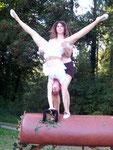Jane im Handstand