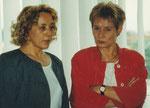 Vor Beginn der PK: Berlins ArbeitsSenatorin Christine Bergmann und Verbundmoderatorin Helga Karl