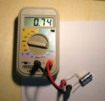 Kapazität zwischen Anschluss 1 und 2 = 0,74 µF