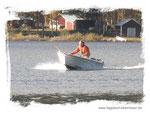 hauseigenes Motorboot im Verleih