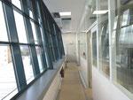 Schrägfassade und Reinraumwände im 3.OG
