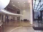 Neues Foyer mit Galerie