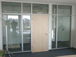 Bürotrennwand mit großer Transparenz