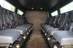 В транспортном отделении 16 сидений - по 8 на каждую сторону, спинкой к бортам