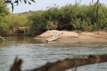 unser unförmiges schweres einheimisches Kanu