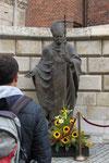 Wawel Castle Statue von Johannes Paul II (Krakau PL)