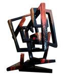"""""""La guerra"""". Escultura en madera pintada. 40 cm x 40 cm"""