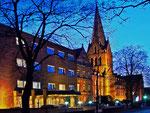 St. Josef-Stift zur blauen Stunde