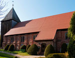 AAls Fachwerkkirche errichtet, vollzog sich im Laufe der Jahre, bis 1830, der Wandel zu einer Backsteinkirche mit altem Holzturm.
