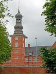 Das Schloss vor Husum wurde von Herzog Adolf von Schleswig-Holstein-Gottorf 1577–1582 erbaut.