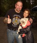 """Ralf Seeger mit der Hauptdarstellerin an Dolph Lundgrens Seite: Natassia Malthe, die er bereits von Dreharbeiten zu """"BloodRayne"""" in Krotien kannte."""