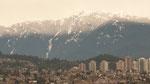 Ein Blick auf die Berge rund um Vancouver, in denen z.T. die Dreh- arbeiten stattgefunden haben.