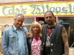Regisseur Wilhelm Engelhard mit Anica Dobra und Ralf Seeger