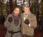 """Während den Dreharbeiten lernte Ralf Seeger auch den Hauptdar- steller Dolph Lundgren kennen, der erst zuletzt an der Seite von Sylvester Stallone, Bruce Willis und Arnold Schwarzenegger in """"The Expendables"""" zu sehen war."""