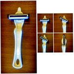 【たてよこピーラー】 刃の角度を4段階で調整出来る左右兼用ピーラーです。 ¥756(税込)