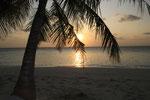 Sonnenuntergang von unseren Strandliegen aus