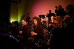 Sax-Register v.r.n.l.: Stefan Minder, Cathrine Spiegel, Bandleader Patrick Kappeler, Andi Hugi, Jan Hroch