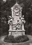 Schumann-Grabmal auf dem Alten Friedhof, um 1940, Bildnummer: bbv_01143