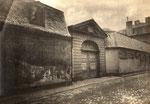 Eingang zum Metternicher Hof (heute: Am Boeselagerhof), Fotografie um 1870, Bildnummer: bbv_00636