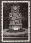 Schumann-Grabmal auf dem Alten Friedhof, 1950, Bildnummer: bbv_01213
