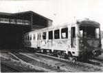 Ausgebrannter Triebwagen der Köln-Bonner-Eisenbahnen nach dem Großbrand 1975 in Wesseling, Bildnummer: bbv_00543