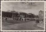 Bahnhofsvorplatz, Fotografie 1950, Bildnummer: bbv_01183