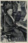 Aennchen Schumacher am Klavier, Bildnummer: bbv_00907