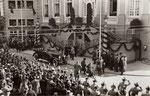 Besuch des Reichskanzlers Hindenburg am 22.3.1926 auf dem Marktplatz, Bildnummer: bbv_00489