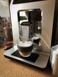 der erste Latte Macchiato