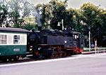 99 731 noch ohne Rauchkammerzentralverschluss auf dem Bahnhofsvorplatz in Zittau (2002)