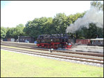 99 1784-0 setzt sich an den Zug