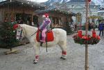 Weihnachtsengerl Nikola Auinger am Christkindlmarkt