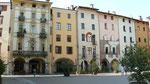 Une place du centre historique de Pinerolo