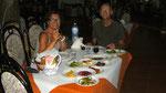 Quel repas: 13 antipasti, 2 plats de pâtes, 1 plat de viande avec légumes, salade, 1 plat de desserts et 1 Limoncello !