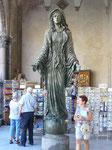 Statue de Ste Catherine, à l'extérieur