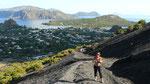 Ascension du volcan sous le soleil