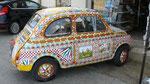 Selinonte : Vieille Fiat 500 décorée par un céramiste